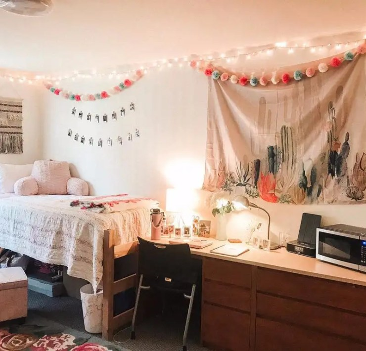 10 Things You Need To Move Into Your Dorm This Fall
