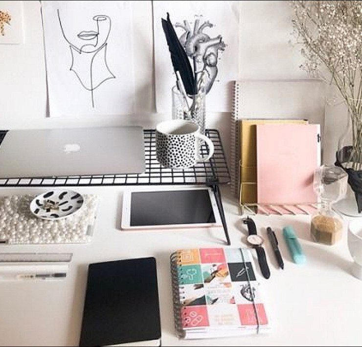 The Cutest Desk Accessories You'll Want In Your Dorm Room