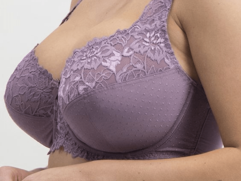 Fit large breasts 13 Bras For Women With Big Breasts Society19