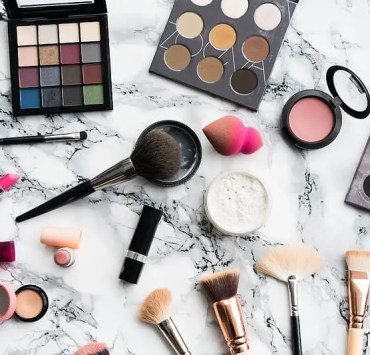 drugstore makeup, 10 Drugstore Products To Add To Your Summer Makeup Look