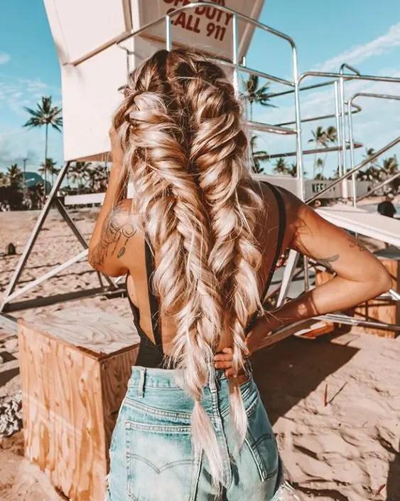 Очаровательные летние косички для пляжных дней — Society19