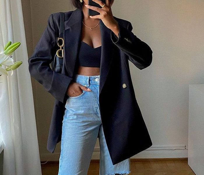 5 Ways To Wear Wide Leg Jeans With Sneakers