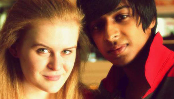 Watch this English girl dating an Indian guy share her love story in super-fluent Hindi