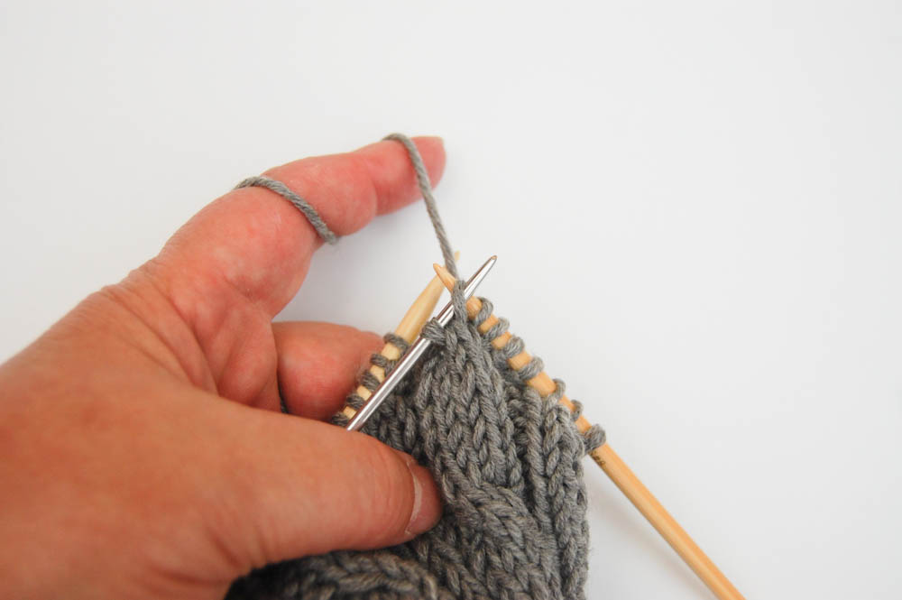 Kissen mit Zopfmuster stricken-5 kissen stricken mit zopfmuster Anleitung: Kissen stricken mit Zopfmuster