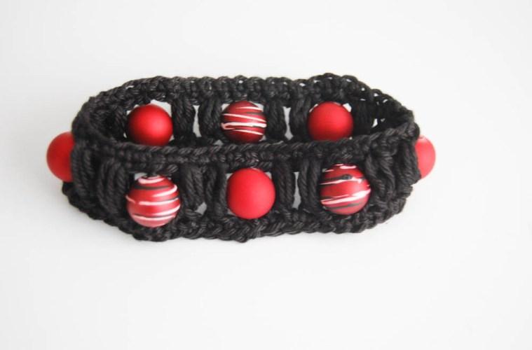 armband häkeln Anleitung: Armband häkeln mit Büschelmaschen
