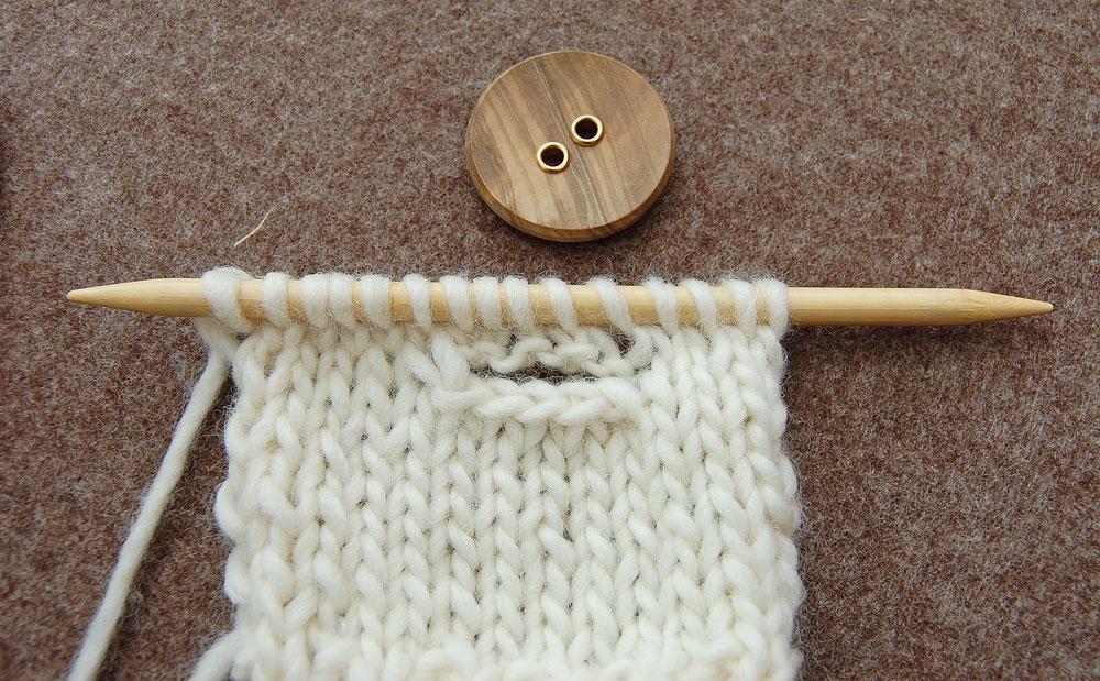 Waagerechte-Knopflöcher-stricken knöpfe Im Fokus – Knöpfe