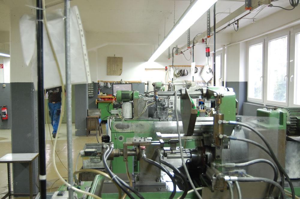 Werksbesichtigung bei addi - Produktionshalle werksbesichtigung bei addi Werksbesichtigung bei addi: Qualitätsnadeln - Made in Germany