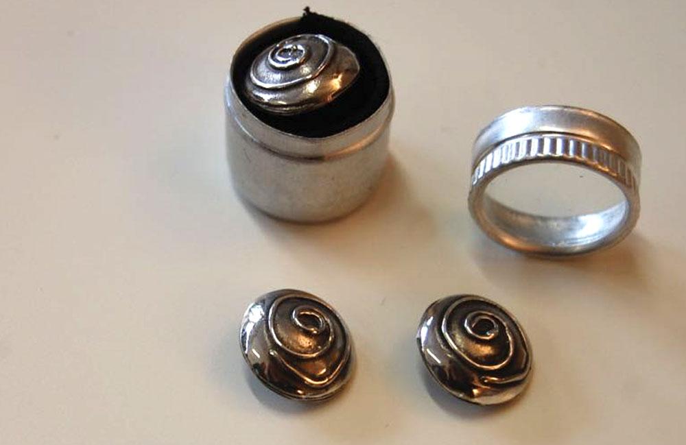 Geschenke für Nähfans - Silberknöpfe geschenke für nähfans 14 originelle Geschenke für Nähfans