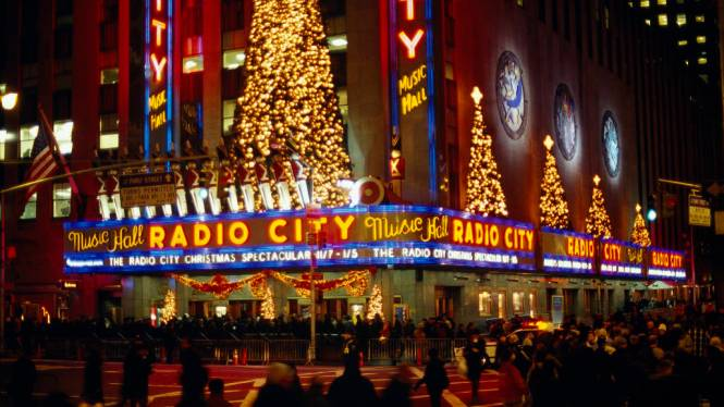 nyc christmas - TOP 10 BEST CHRISTMAS TOWNS AND CITIES TO VISIT BEFORE AND AT XMAS TIME