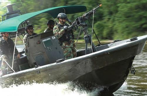 NAVSCIATTS small boat crew in training. (Photo from NAVSCIATTS Guide Book, April 2017).