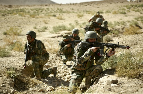 Afghan Commandos assigned to a Mobile Strike Kandak (MSK) conduct dismounted movement towards a training objective during the Cobra Strike Maneuver Course (CSMC) near Kabul. (Photo by MSG Felix Figueroa, NSOCC-A, Sep 2018).