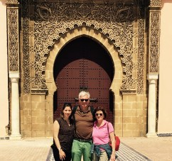 Vor dem Mausoleum