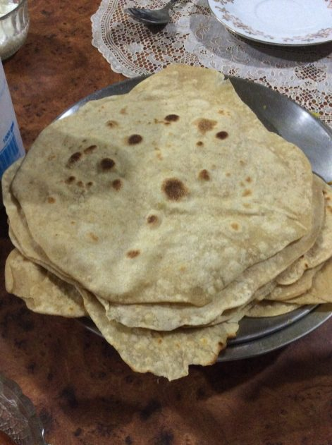 Together with Host Mum Chadani I prepared the daily Chapati, mine are a bit mis-shaped, though