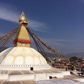 Der Buddhistische Tempel im Osten der Stadt: Bouddhanath