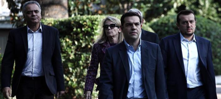 Γιατί χτυπούν τους ανθρώπους του Τσίπρα και το μυαλό του ΣΥΡΙΖΑ