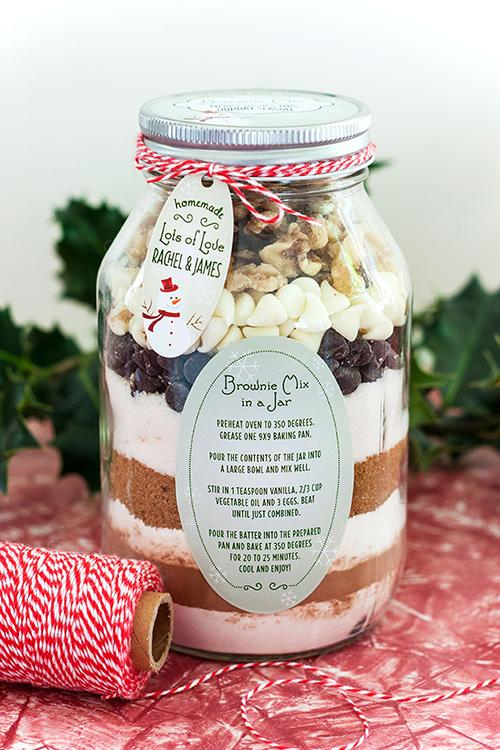 8 DIY Gift Ideas that are Stylish, Affordable and Easy! // So Fresh & So Chic for Allyn Lewis // www.allynlewis.com #diygifts #baking #browniesinajar #diygiftideas