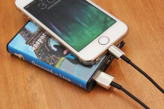 Avier 原廠認證 Lightning 傳輸線(1M),性價比更勝原廠! avier-apple-lightning-usb-cable-002