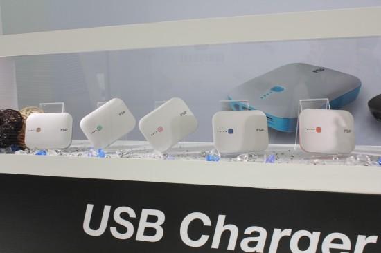 [COMPUTEX 2014] 全漢 BSMI 認證雙輸出行動電源,4大電路防護為消費安全把關 044sA-550x366