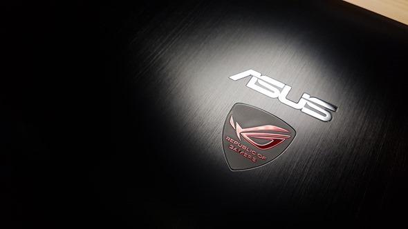 [開箱] 輕薄、效能兼具 最輕薄的電競筆電 ROG G501 開箱評測 20160324_152530
