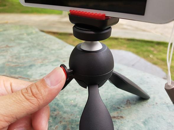 行動迷你腳架 ASUS ZenTripod 開箱 + ZenFone Zoom 新款炫酷橘背蓋分享 20160420_132746
