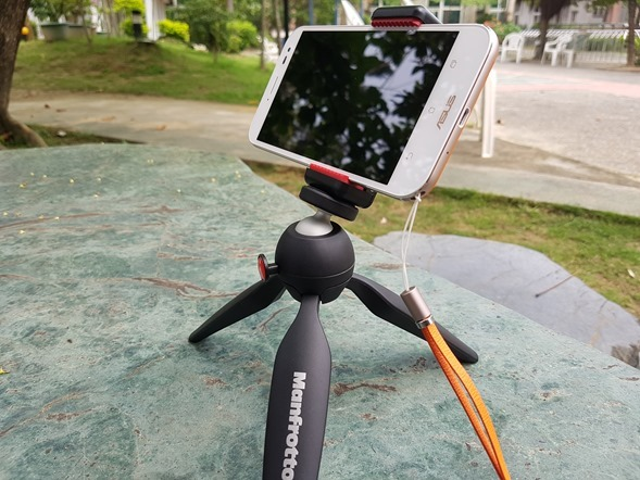 行動迷你腳架 ASUS ZenTripod 開箱 + ZenFone Zoom 新款炫酷橘背蓋分享 20160420_132759