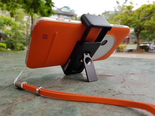 行動迷你腳架 ASUS ZenTripod 開箱 + ZenFone Zoom 新款炫酷橘背蓋分享 20160420_134351
