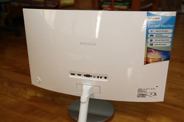 電腦螢幕也有劇院級的影音享受,Samsung C27F591FDE 曲面顯示器評測 image005
