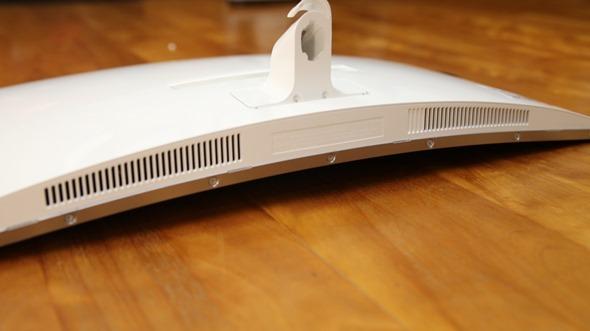電腦螢幕也有劇院級的影音享受,Samsung C27F591FDE 曲面顯示器評測 image015