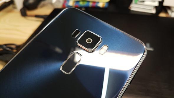 華碩正式發表 ZenFone 3 系列旗艦手機,售價 7,990 起! 20160711_184433