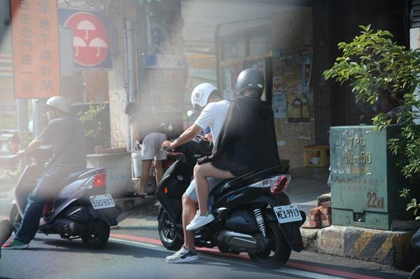 鏡頭直擊/捕捉台南各處 Pokemon GO 「街頭訓練師」 IMG_3785