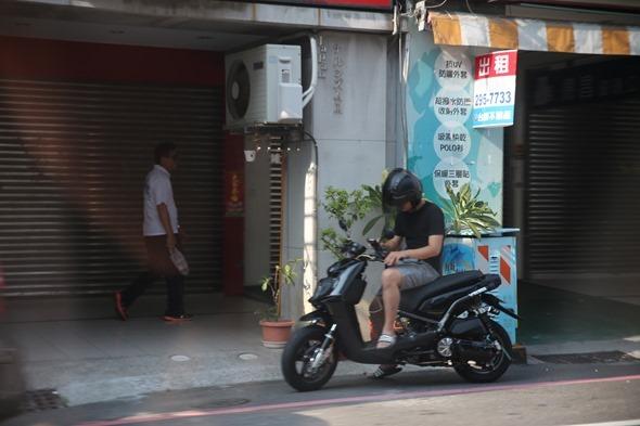 鏡頭直擊/捕捉台南各處 Pokemon GO 「街頭訓練師」 IMG_3796