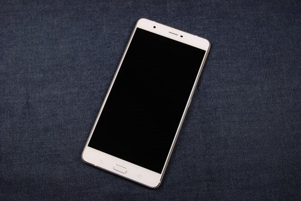 最符合影音娛樂需求的大螢幕智慧手機:華碩 ZenFone 3 Ultra DSC_0027-1
