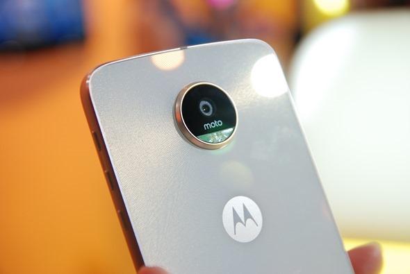 hello moto 回來了!Moto Z/Moto Z Play 雙旗艦上市,一秒變身科技酷玩 DSC_0015