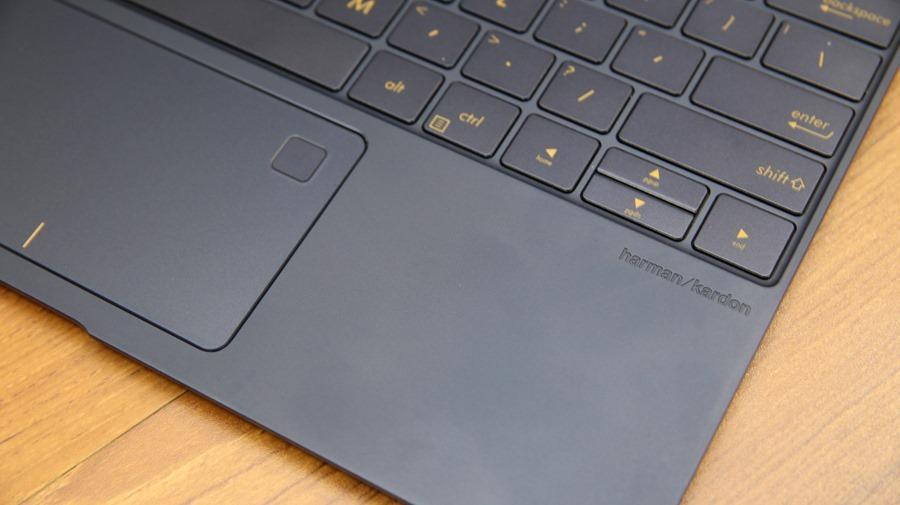 極度輕薄!ASUS ZenBook 3 UX390UA(皇家藍)開箱評測 IMG_5726