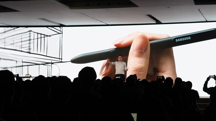 三星發表 Galaxy Tab S3 及 Galaxy Book 2合1平板電腦,S Pen 更好用 P2270537