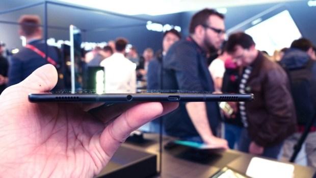 三星發表 Galaxy Tab S3 及 Galaxy Book 2合1平板電腦,S Pen 更好用 P2270603
