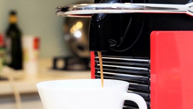 喝就對了! NESPRESSO 咖啡膠囊減少 97% 咖啡因,享受咖啡更放心! 母親節優惠價格殺很大 4061453
