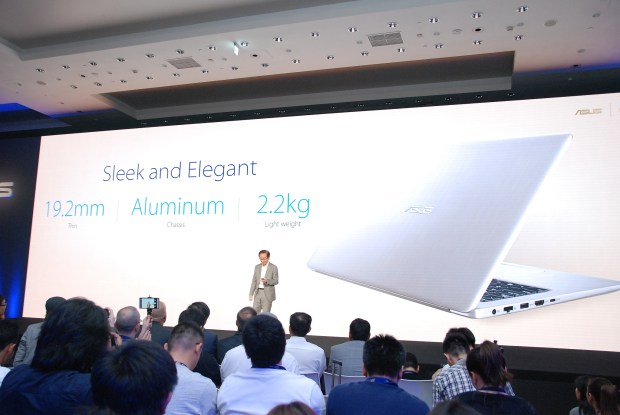 華碩 2017 新品筆電、手機大量公開!高效輕薄超亮眼 DSC_0104-900x602