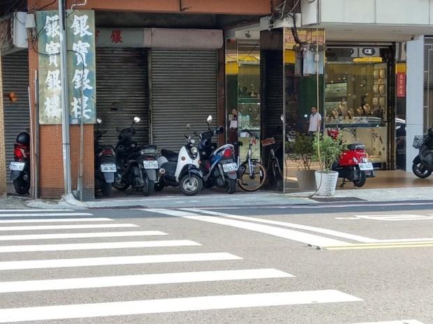 體驗心得:台南 oBike 無樁共享自行車試騎,自由停車無拘束 IMAG0875