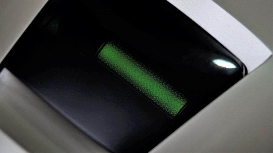 EULEVEN 有樂紛熱風塵螨吸塵器,搭配 UVC 紫外線、60 度熱風,清除床上塵螨看得見 A271928