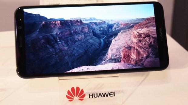 華為首款全面螢幕手機 HUAWEI nova 2i 網美姬來囉! 不只拍照,連攝影都能美肌讓妳無時無刻都好看 B142219