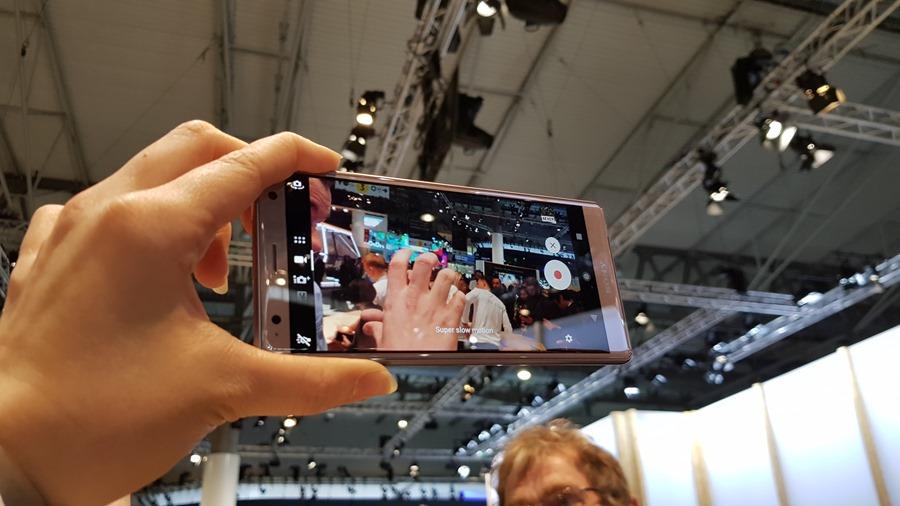 [MWC 2018] 突破邊界,第一款支援 4K HDR 攝影的手機來了!它是 Xperia XZ2 20180226_090153