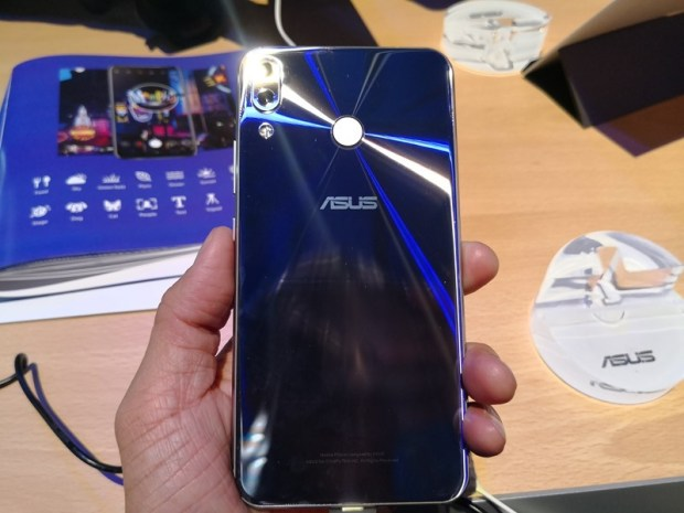 [MWC 2018] ASUS ZenFone 5/5 Lite 簡單動手玩 (外型篇) IMG_20180227_203714