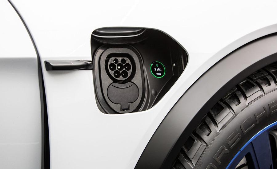 特斯拉要小心啦!保時捷電動車充電快6倍,性能更是強勁 charger2