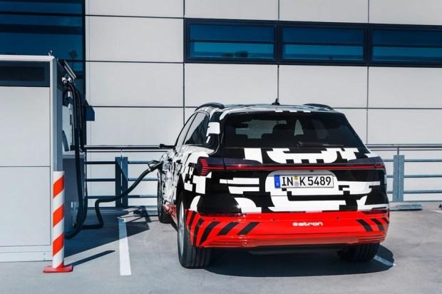 可在 30 分鐘內充飽電的電動休旅車 Audi e-tron SUV %E6%96%B0%E5%9C%96%E7%89%87-2