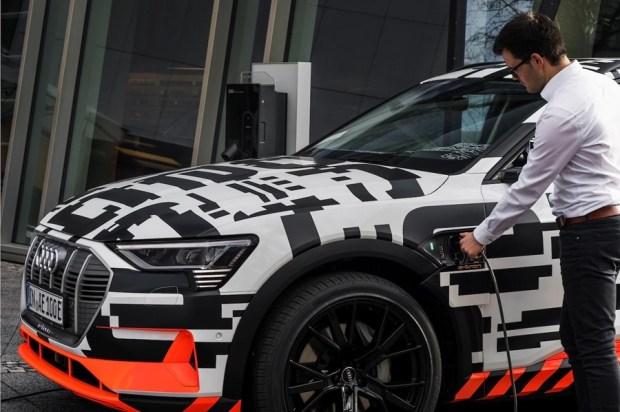 可在 30 分鐘內充飽電的電動休旅車 Audi e-tron SUV %E6%96%B0%E5%9C%96%E7%89%87-5
