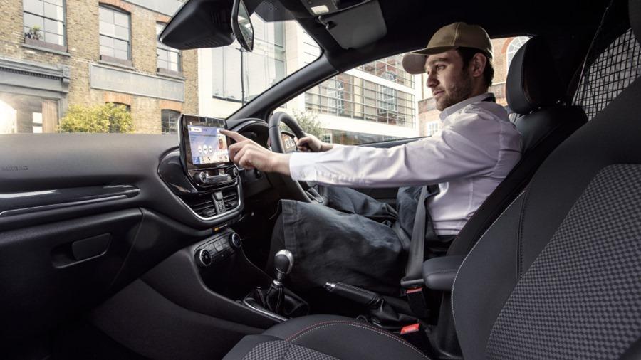 Ford Fiesta 竟然有商用車版本,跟你認知的商用車不一樣 2018-ford-fiesta-van-09-1