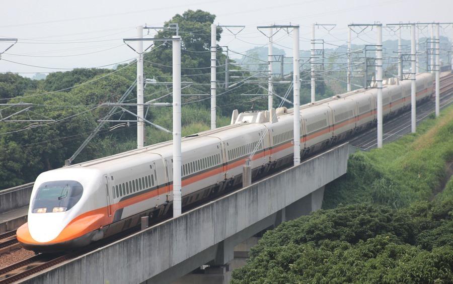 冷知識:高鐵列車如何確保行駛中的不會碰撞? THSR_700T_TR17_20130907