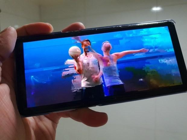 [評測] 全面提升居家品味,Samsung QLED 量子電視 (Q9F) 幫你完美融合科技與品味 20180520_205554