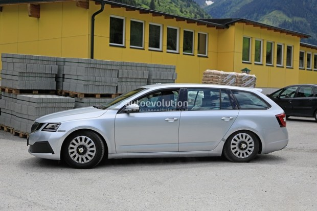 Skoda Octavia 外觀沒什麼變的小改款,預計 2020 年上市 2020-skoda-octavia-chassis-testing-mule-spied-for-the-first-time-is-a-lowered-r_3